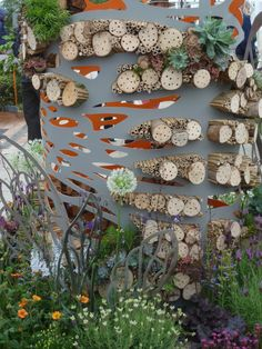 Wildlife gardening meets art - urban bee hotel by Amy Curtis at RHS Chelsea Flowershow #homesfornature