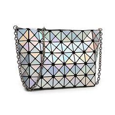 Купить товар2015 мода металл лазерного сумки для женщин геометрия плед алмаз на ремне дамы серебристый металлик блестящий в японском стиле в категории Сумки на плечона AliExpress.    Размер: 21x7x18 см (+/-2 см ошибка)  Материал: ПУ  Упаковка: 1 шт.
