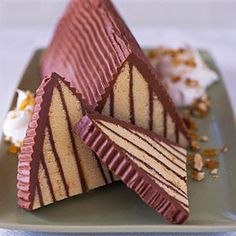 This holiday cake recipe show what you can do with frozen pound cake. It just takes some clever slicing and an ultra-rich hazelnut chocolate frosting.