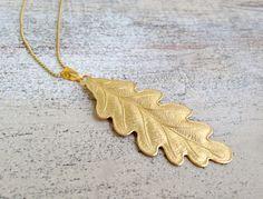 Lange, goldene Kette mit Eichenblatt, Sommer Accessoire / golden necklace with oak leaf, boho style, festival outfit made by MiMaMeise via DaWanda.com