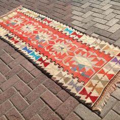 Kilim runner, Red kilim runner, Vintage Turkish kilim runner rug, runner, runner rug, vintage hallway runner rug, bohemian runner, wool rug