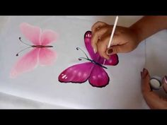 Pintando Mariposas En Tela / Painting Butterflies On Fabric - YouTube Fabric Colour Painting, Acrylic Painting Flowers, One Stroke Painting, Butterfly Painting, Painting Videos, Hand Painted Sarees, Fabric Paint Designs, Krishna Painting, Patch Design