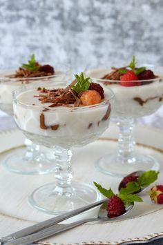 Csokoládés-málnás kókuszpuding - Kifőztük Yummy Smoothies, Plant Based Diet, Cocoa, Panna Cotta, Pudding, Banana, Ethnic Recipes, Homemade Food, How To Make