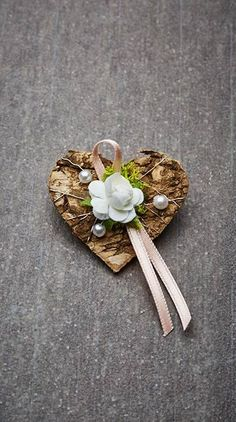 Wedding pin Monika - crafts & gifts Source by mzyynkrks Wedding Pins, Diy Wedding, Wedding Favors, Wedding Flowers, Wedding Day, Bridal Shower Decorations, Wedding Decorations, Garden Decorations, Best Wedding Gifts