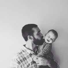 Babies and beard kisses // father daughter