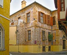 Architectural-masterpieces-in-Xanthi town, Thrace, Greece - Endless Beauty Winged Victory Of Samothrace, Beautiful Homes, Beautiful Places, Thasos, Stone Houses, Macedonia, Planet Earth, Old Town, The Good Place