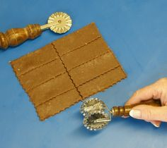 Velikonoční dobrůtky (II.): Nabídněte místo trubiček věžičky! – Hobbymanie.tv Bamboo Cutting Board, Tv, Television