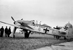 Focke-Wulf W. Ww2 Aircraft, Fighter Aircraft, Military Aircraft, Fighter Jets, Anglo Saxon History, Focke Wulf 190, Airplane Fighter, Old Planes, Ww2 Pictures