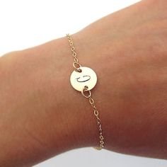 Gol Initial Bracelet - Minimalist Gold Filled Bracelet - Personalized Bracelet for her - Initial Disc Braceelt - Engraved Letter Bracelet