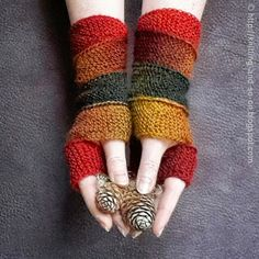 Free Knitting Pattern: Helix Mitts