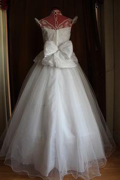Robe de mariée vintage crinoline en dentelle et tulle d'occasion
