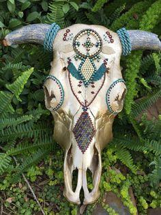 Items similar to Decorated Cow Skull on Etsy Deer Skull Decor, Deer Hunting Decor, Painted Animal Skulls, Cow Skull Art, Skull Crafts, Buffalo Skull, Antler Art, Cow Head, Skull Painting