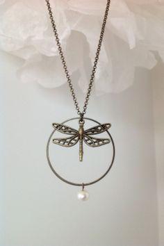 Joli collier libellule perle d'eau douce : Collier par sautoirs-and-co