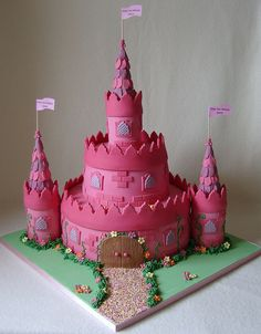 Princess Castle Cake for Grace - Pink Cake Decoration Ideen Castle Birthday Cakes, Birthday Cake Girls, Castle Cakes, Fondant Girl, Fondant Cakes, Cupcakes, Cupcake Cakes, Beautiful Cakes, Amazing Cakes