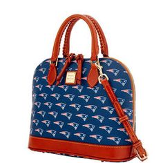 Team pride is in full swing on our NFL Collection. Show your team spirit with these instant classics from Dooney & Bourke. New England Patriots, Dooney Bourke, What To Wear, Wallets, Nfl, Satchel, Handbags, Purses, Sunglasses