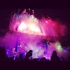 Coldplay concert! someday, somewhere, i will be there.