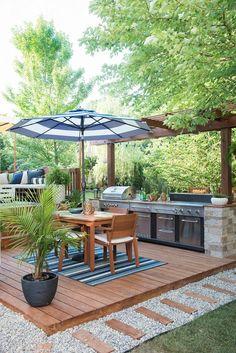 Outdoor Kitchen Countertops, Backyard Kitchen, Small Backyard Patio, Outdoor Kitchen Design, Small Backyard Design, Summer Kitchen, Small Deck Designs, Small Decks, Modern Countertops