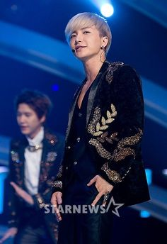 Leeteuk (이특) of Super Junior announces the forthcoming release of his own composition.