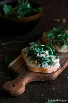 Gorgonzola-Walnut Bruschetta with Truffle Oil