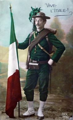 'Long live Italy' 1915 Studio photo of an Italian bersagliere holding the flag of his country Issued after Italy joined the Allies in 1915.