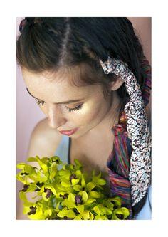 The summer brings new stories.  #lenço #seda #scarf #silk #libertyartfabrics #shoponline #vancleve