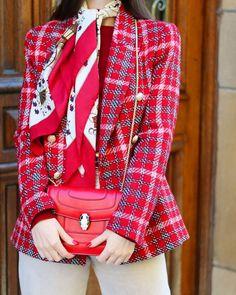 𝐒𝐔𝐒𝐀𝐍𝐀🐝 (@susanaarcocha) • Fotos y vídeos de Instagram Red Leather, Leather Jacket, Tartan, Instagram, Blazer, Jackets, Women, Fashion, Closets