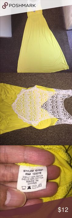 Bundle and save 💰Women's maxi dress Softly flowy mustard yellow maxi dress with a cute but sexy back.  Has a padded lining in the breast part of the dress Dresses Maxi