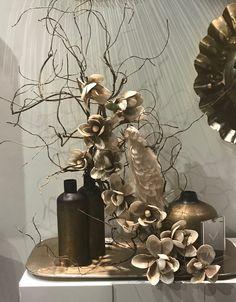   Bronze   Αποτελεί από τα πιο elegant χρώματα και στο#Athome μπορείτε να βρείτε μεγάλη ποικιλία bronze διακοσμητικών! #feeltheliving #bronze #decoration Painting, Home, Painting Art, Ad Home, Paintings, Homes, Painted Canvas, Haus, Drawings