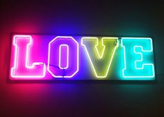 Love PINK...and neon lights <3