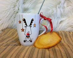 Mug Renne avec pompon rouge cadeau Noël en céramique décoré à