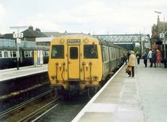 Class 503 with driving motor M28690M leading at Birkenhead North 1983     For more information about Dog Training Classes visit http://www.k9korralsrq.com/