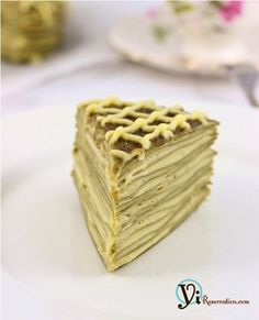 This heavenly fluffy and creamy Green Tea Mille Crepe is definitely worth the effort to make at home. Green Tea Recipes, Sweet Recipes, Just Desserts, Dessert Recipes, Pancakes, Waffles, Tea Snacks, Best Green Tea, Crepe Cake