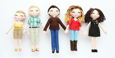 Selfie family art dolls (18cm) made according to the picture provided by the customer. Personalised dolls are fantastic gift idea for all the family. Mini-you art dolls. Click here now: http://www.whisperofthepipit.com/collections/art-dolls/products/custom-couple-art-dolls