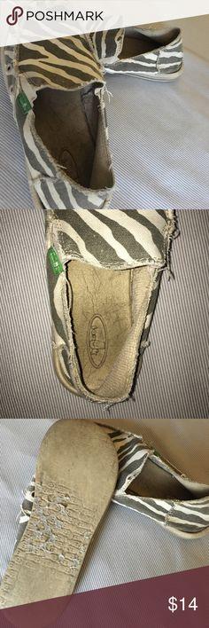 tiger striped Sanuks fair condition Sanuk Shoes Espadrilles