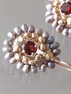 boucle d'oreilles 'Ethnic'perles noires, cristal rouge - Ottomania