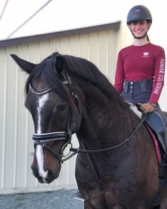 Why do you think is it essential to consider the proper suggestions in acquiring the equestrian boots to be utilized with or without any horseback riding competitors? Equestrian Gifts, Equestrian Outfits, Equestrian Style, Equestrian Fashion, Types Of Horses, Horse Accessories, Sun Shirt, English Riding, Horseback Riding