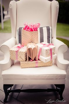 pretty pretty packages {tied up with bows}