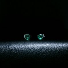 14k white gold green emerald  round cut stud earrings .54 ct snap closure #GDD #Stud
