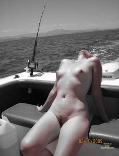 hot nackten mädchen angeln