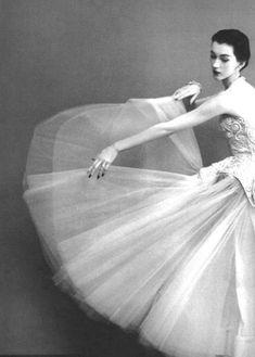 1955 - A great inspirational image by Balenciaga & Dovima - Richard Avedon 4 Harper's Bazaar.
