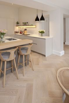 Grande Parquet Brushed Natural White |Timber Flooring: Premium Solid & Engineered Oak Floors Engineered Timber Flooring, Oak Parquet Flooring, Natural Oak Flooring, Best Wood Flooring, Modern Wood Floors, Flooring Ideas, Wood Floor Kitchen, Kitchen Flooring, Kitchen Cabinets