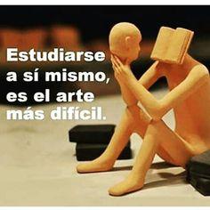 """Estudiarse así mismo, es el arte más difícil… """"De todos los conocimientos posibles, el más sabio y útil es conocerse a sí mismo"""" - William Shakespeare Leelo todo en FB: @IvanFelicidad"""