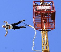 Extreme Old Peopl - Bungee Jumping