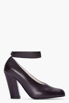CHLOE Runway Heel