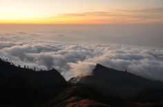 sunset in rinjani
