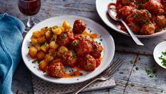 Make your Spanish tapas dinner extra hearty with spicy meatballs and patatas bravas. Tapas Recipes, Meatball Recipes, Beef Recipes, Cooking Recipes, Tapas Ideas, Savoury Recipes, Food Ideas, Bbc Good Food Recipes, Recipes Dinner