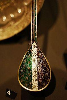 V Museum: Tudor spoon