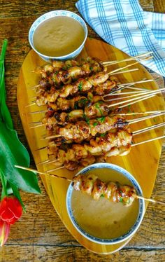 Best appetizers for party chicken appetizer ideas 51 ideas Chicken Kabob Marinade, Chicken Satay, Chicken Skewers, Healthy Chicken Recipes, Easy Healthy Recipes, Asian Recipes, Cooking Recipes, Chinese Recipes, Chinese Food