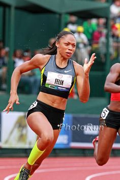 Allyson Felix Dominates with her for 200 Meters, by Dick Patrick, note by Larry Eder Allyson Felix, Nbc Olympics, Summer Olympics, Natasha Hastings, Track Uniforms, Jackie Joyner Kersee, Track Senior Pictures, Triathlon Women, Track Meet