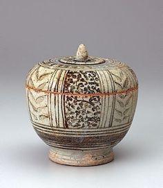Covered bowl, Sawankhalok ware Thailand  13th century-14th century Ceramic stoneware with bluish glaze and black underglaze